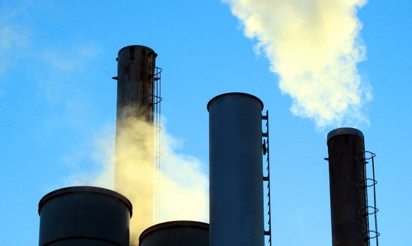 Las empresas del Ibex 35 reducen un 6,5% las emisiones de CO2